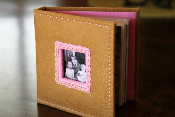 Как оформить обложку для фотоальбома