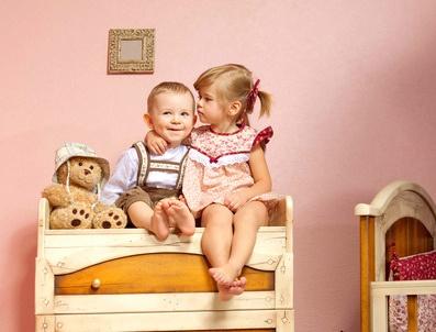 Второй ребенок в семье. Как избежать ревности старшего к младшему.
