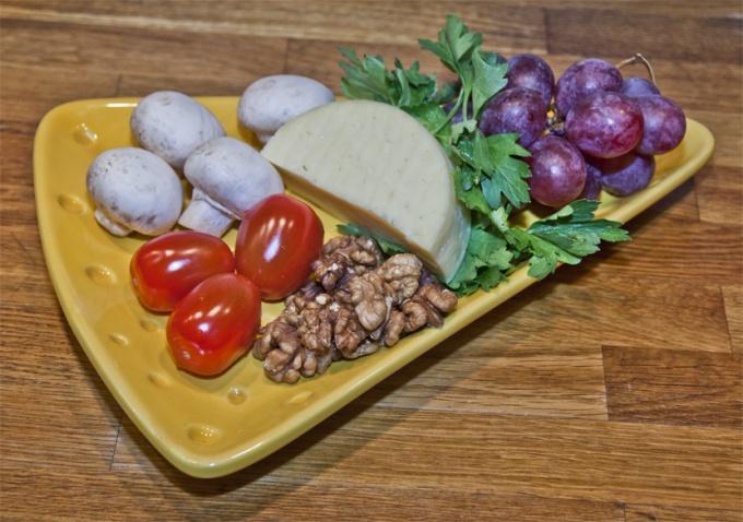 Что положить на сыр, чтобы было вкусно