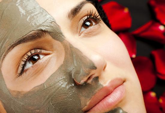 Как правильно наносить и держать глиняную маску для лица