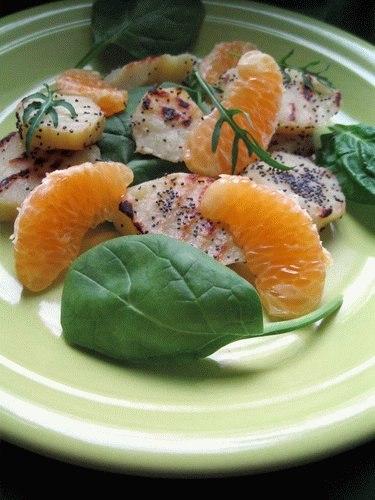 Салат с бататом и мандаринами