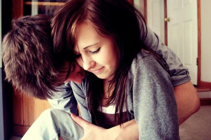 Как девушке обратить на себя внимание мужчин