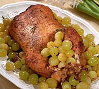 Фаршированная утка с виноградом