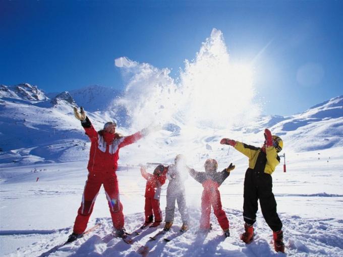 Куда поехать отдыхать с детьми зимой