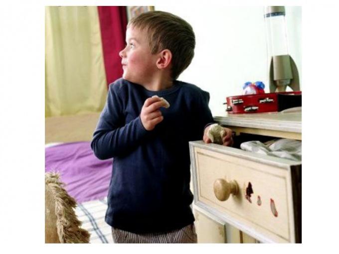 Что делать, если ваш малыш начал воровать
