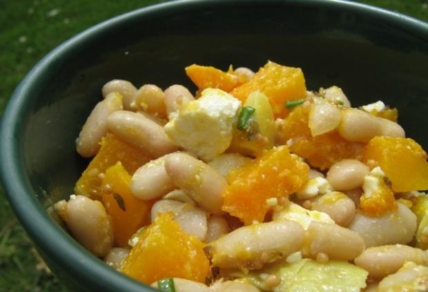 Фасолевый салат с тыквой