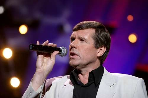 What was sitting in jail singer Alexander Novikov