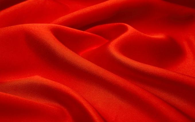 Какие цвета сочетаются с красным?