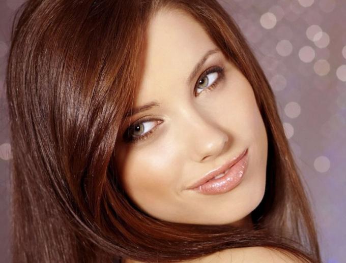 Как сделать легкий макияж?