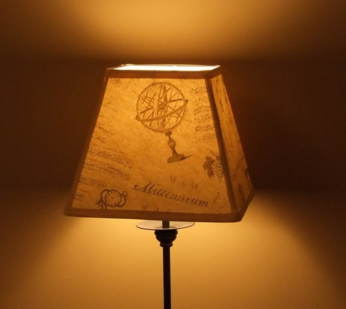 Original shade for a table lamp with your own hands