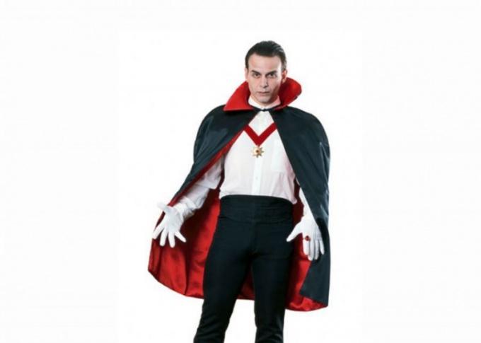 Как сделать костюм графа Дракулы своими руками?