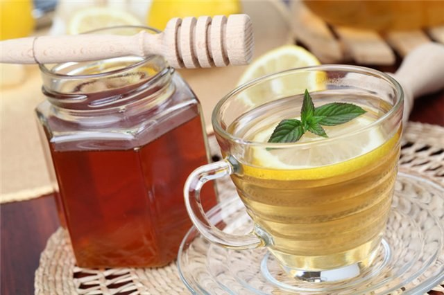 Why honey cannot be put in hot tea