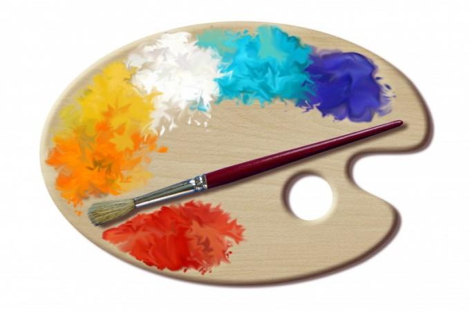 Нанесите слой самой светлой краски