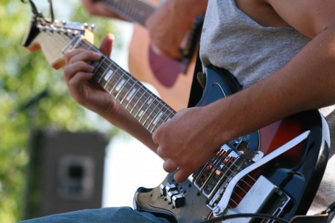 Гитара для левши