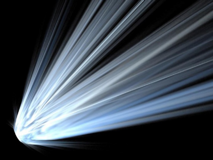 Комета больше всего похожа на шар с хвостом