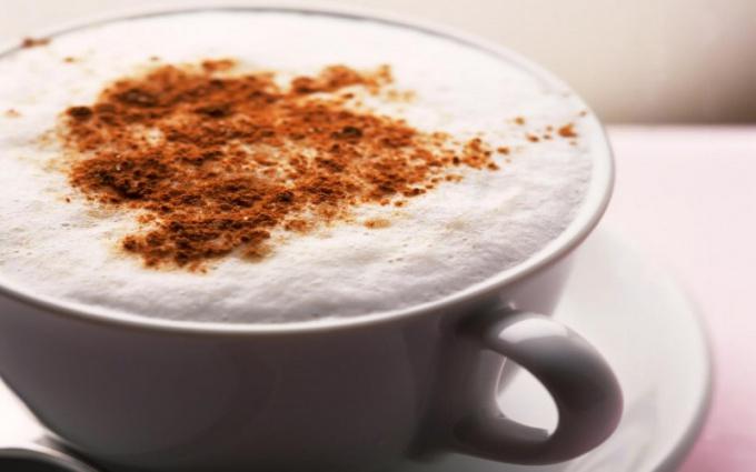Сколько в чашке кофе калорий и толстеют ли от кофе?