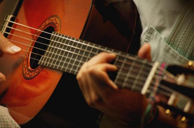 Сколько всего аккордов на гитаре