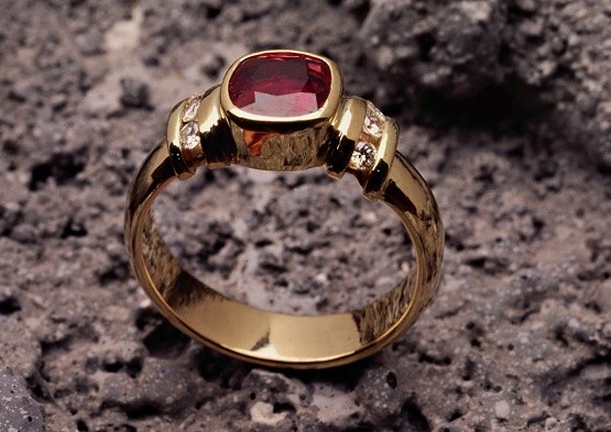 Precious stones are used in jewelry, crafts, collect