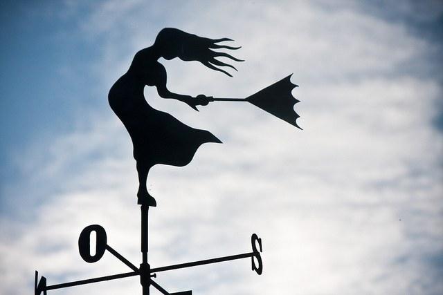 По флюгеру удобно предсказывать направление ветра