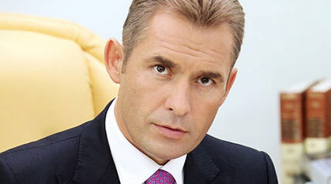 How to ask a question to Paul Astakhov