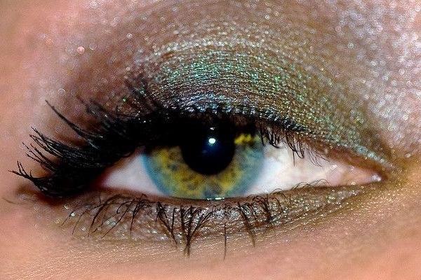 От чего зависит цвет глаз хамелеонов