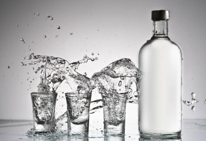 За сколько времени выветривается 100 грамм водки