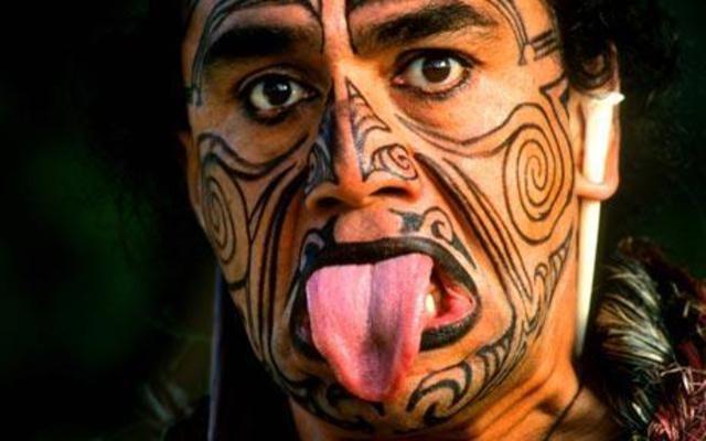 Как приветствуют друг друга аборигены Новой Зеландии, маори?