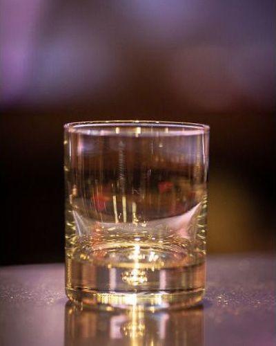 Как правильно выбрать бокалы для праздничного стола