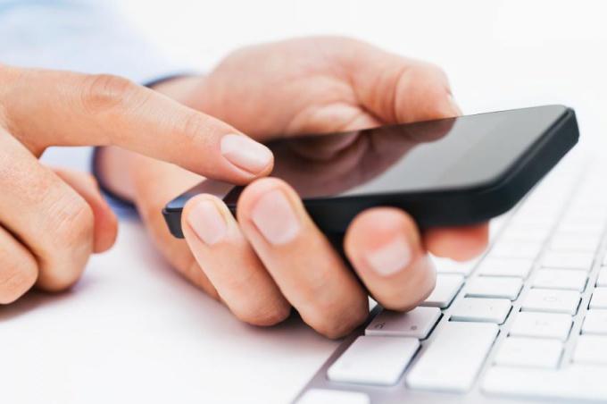 Найти мобильный номер по фамилии можно бесплатно