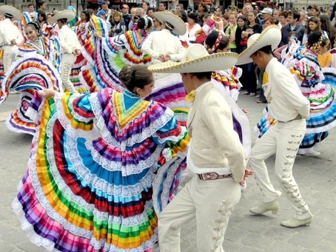 Как веселятся на Новый год в Мексике