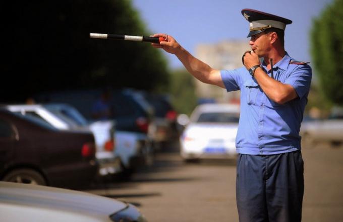 Какие права и обязанности у инспектора ДПС