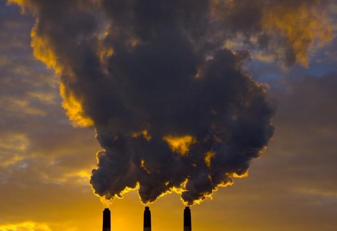 Что и как загрязняет воздух