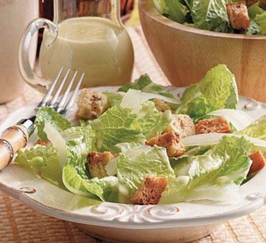 """Как приготовить итальянский салат """"Цезарь"""""""