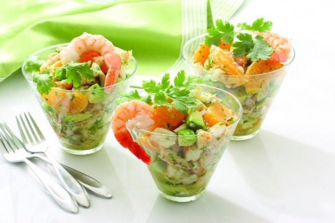 Летние легкие салаты с креветками