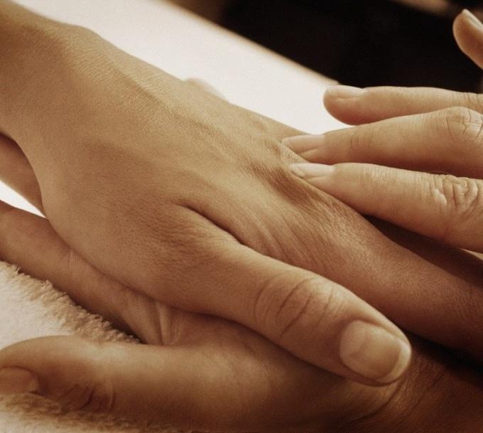 Запечатывание ногтей воском: легкая и действенная процедура