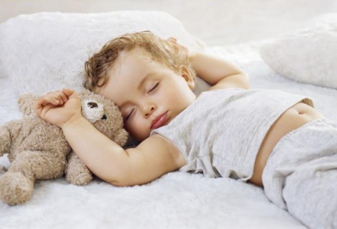 5 способов уложить ребенка спать