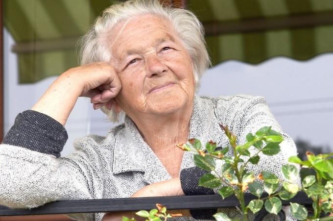 Как удалить запах в квартире пожилых людей