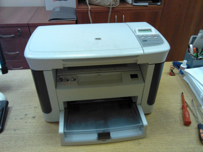 How to disassemble printer HP LaserJet M1120 MFP (step-by-step guide)