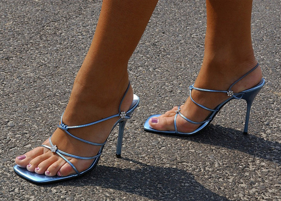 How to choose sandals, the shape of the feet