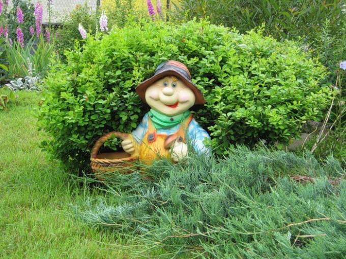 How to make garden figures with their hands