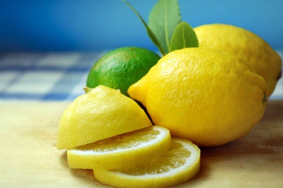 Lemon for beauty nails
