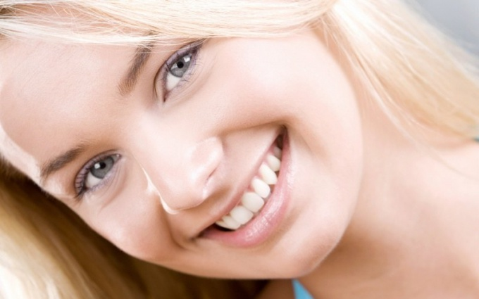 How to brighten the enamel of teeth