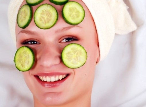 Summer freshness: cucumber masks