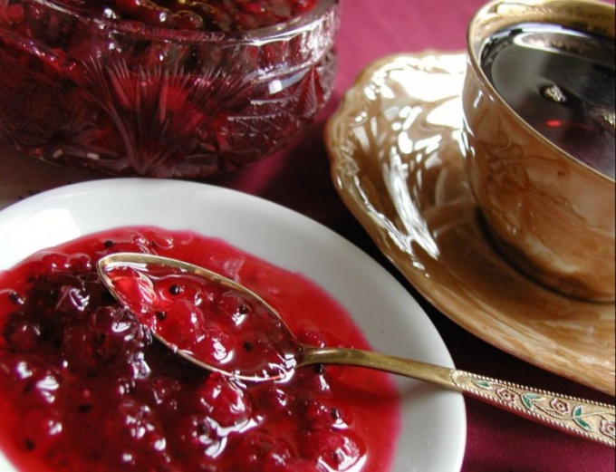 How to make jam in a slow cooker