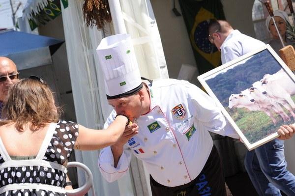 Гид по фестивалю мировой еды и путешествий «Вокруг света»