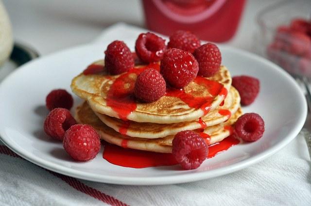 Как приготовить оладьи с ягодами