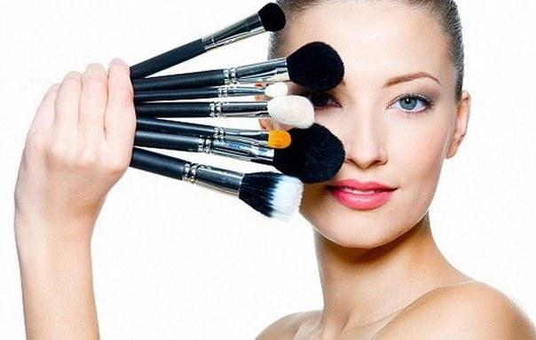 Как выбрать кисти для макияжа глаз