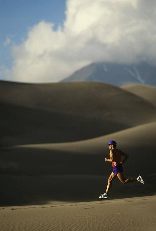 Как правильно бегать летом