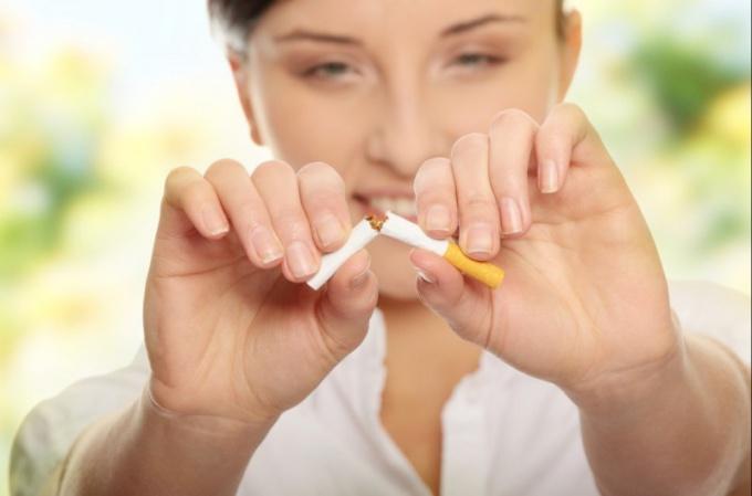 Свежее дыхание, или как девушке бросить курить?