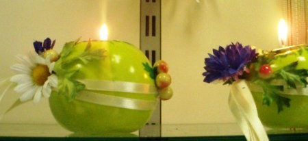Свечка в зеленом яблоке